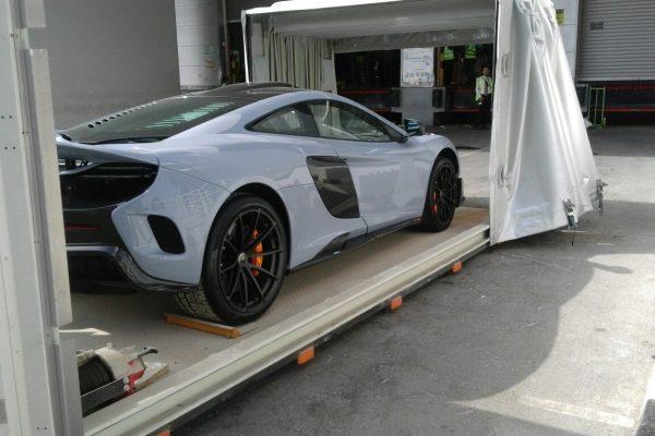 Towing a Car in Dubai | Emirates Towing
